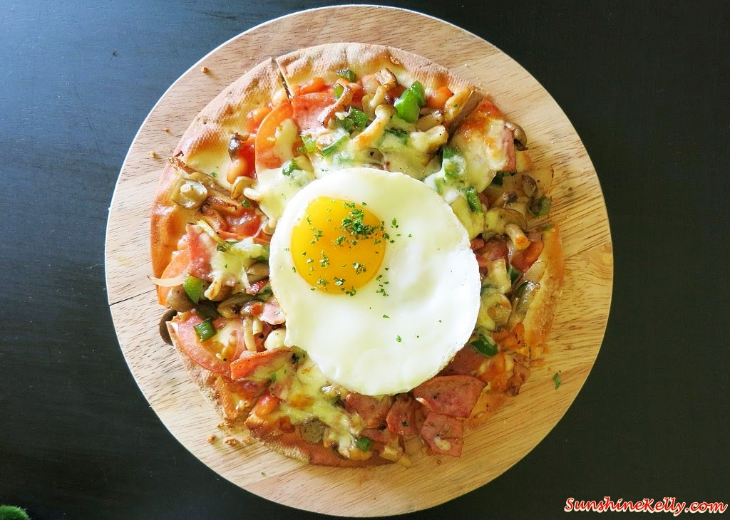 Breakfast Pizza, Bites Cafe Lake Fields, Bites Cafe, Sungai Besi, coffee place, malaysia cafe, Coffee, Waffle, Breakfast Pizza, Frittata, Affogato, The last polka, ice cream with coffee, chilled out place, chilled out cafe, egg dish