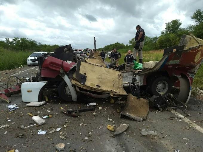 AÇÃO OUSADA:  Quadrilha explode carro-forte e faz reféns no norte do Estado
