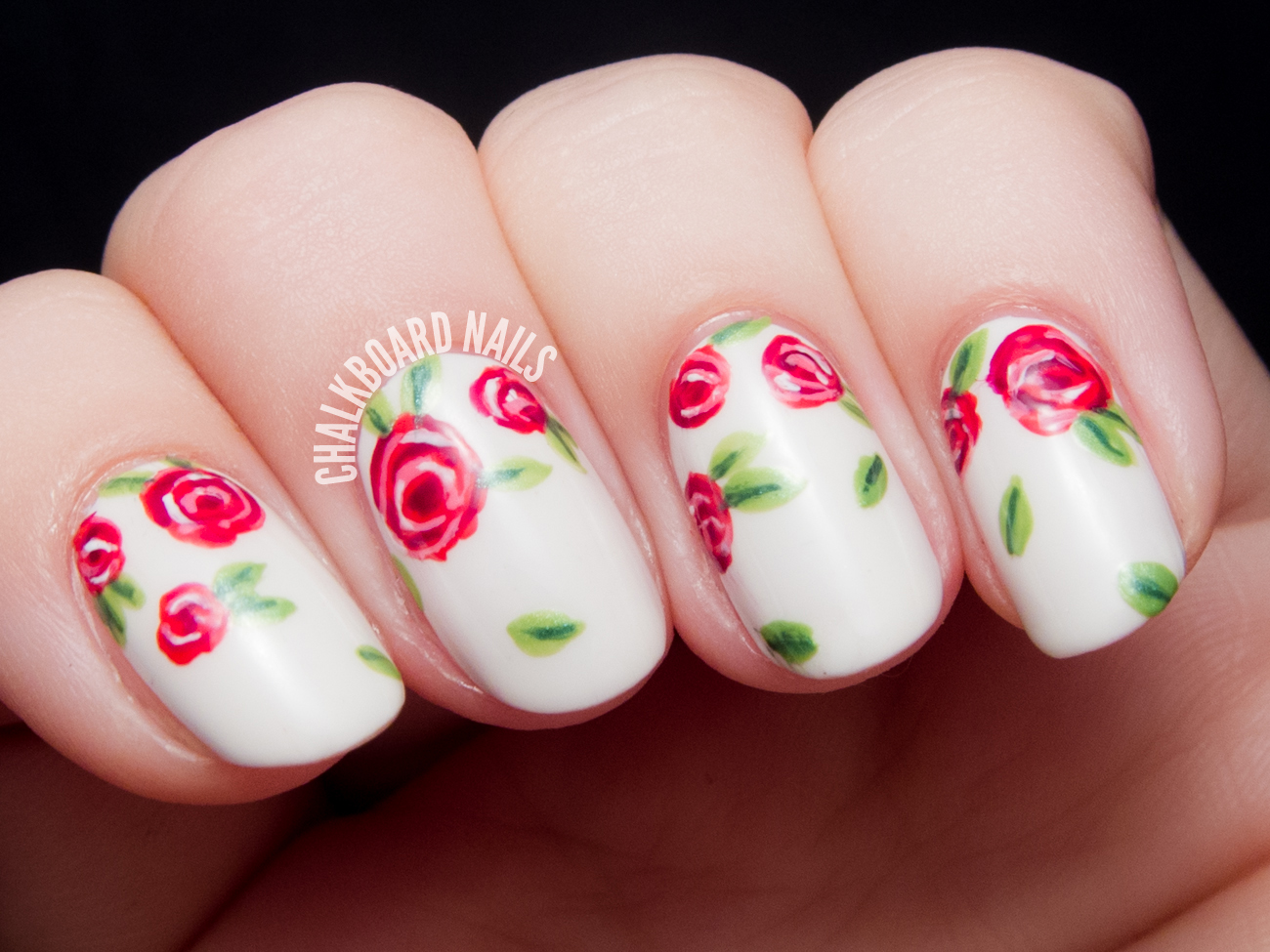 Sweet red rose floral by @chalkboardnails