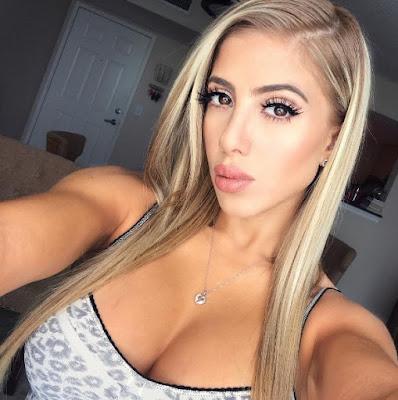 Valeria Orsini in a selfie