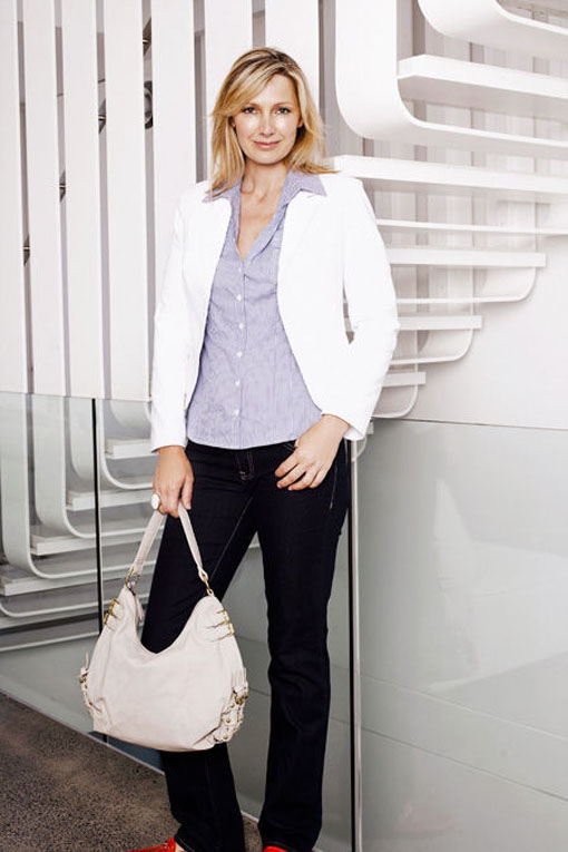 Invisible woman: What to wear to work in midlife the tech women I have encountered have a broad, casual approach to fashion. Think jeans, flats and smart tees, or brightly coloured little.