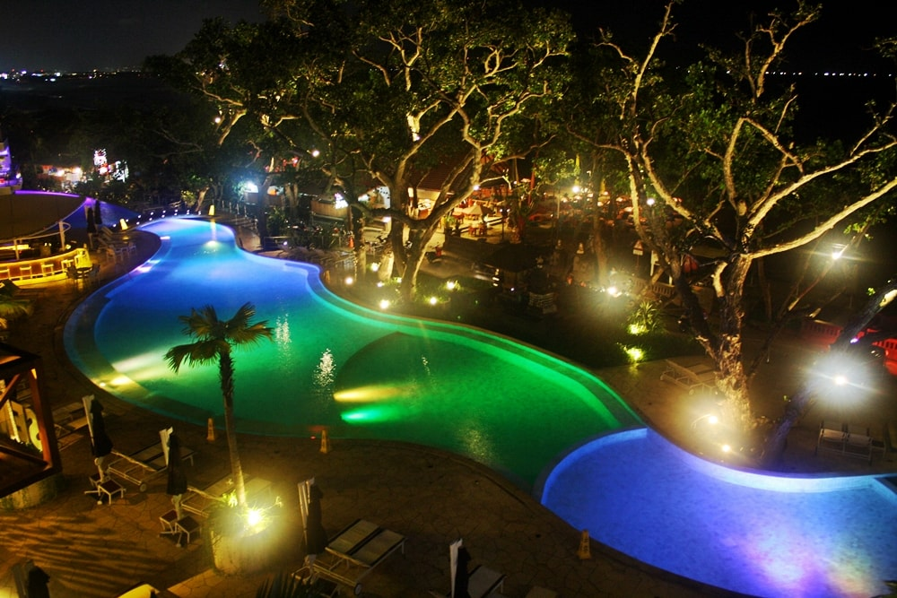 DOUBLE SIX LUXURY HOTEL SEMINYAK REVIEW