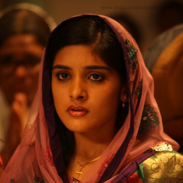 Mallu actress Niveda Thomas cute in romans