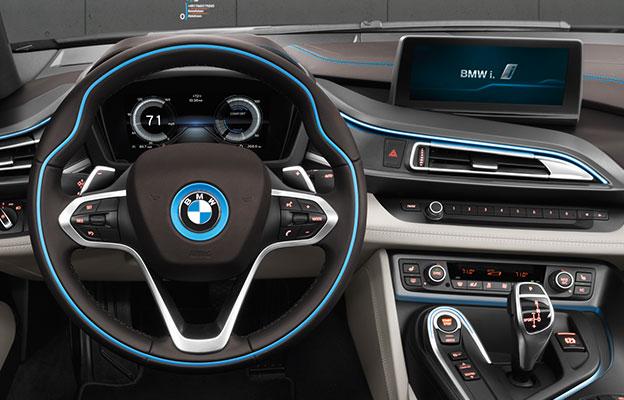 bmw i8 mobil sport listrik yang paling ergonomis
