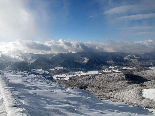 Dolina Wołostaki z Tarnicy.