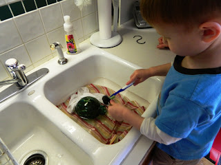 Montessori Spring Cleaning: Cleaning Bird Feeders