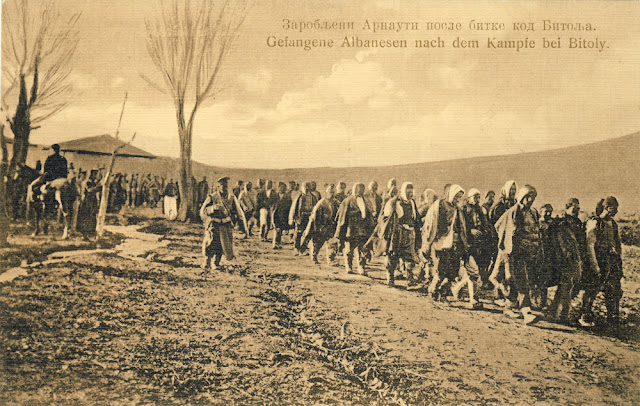 Captured Albanian soldiers (Arnauti) affter the Battle of Bitola (Battle of Monastir) - 16 to 19 November 1912 - Serbian postcard