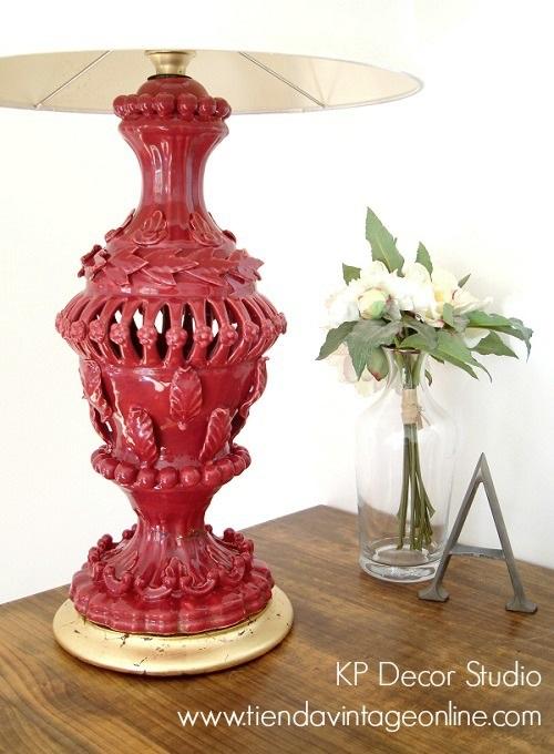 Lámparas antiguas de cerámica con base dorada con pan de oro