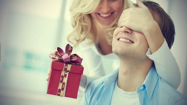 10 Tips Memilih Hadiah atau Kado Untuk Suami