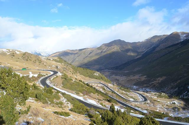 Estrada para ir a Estação de Esqui Boi Taull