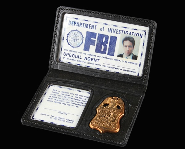X-Files Fox Mulder FBI photo ID badge prop