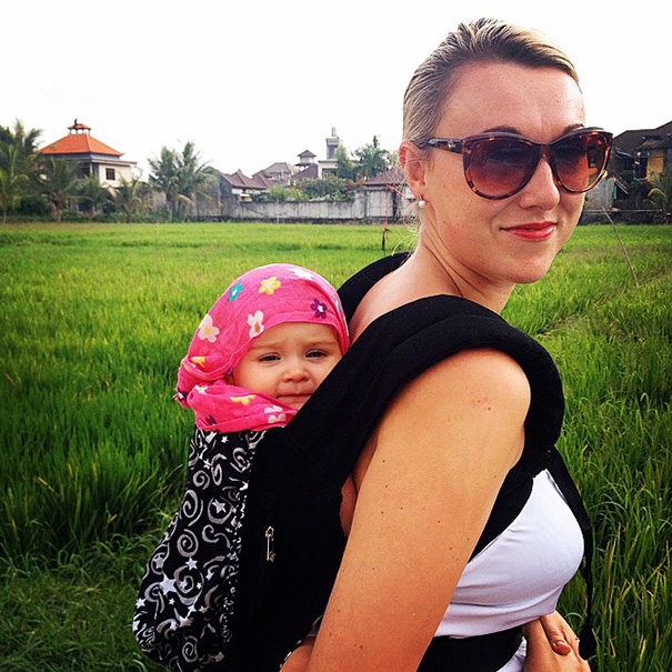 """""""The weirdest part of the trip was actually coming home"""" - 1-Year-Old Has Been Travelling Around The World Since She Was Born"""