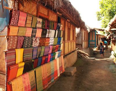 tempat wisata di lombok, desa wisata di lombok, desa sade, desa sukarara, tempat wisata di lombok tengah