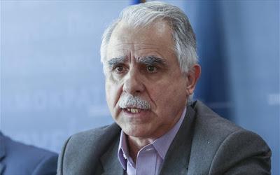 Ο Υφυπουργός Μεταναστευτικής Πολιτικής Ιωάννης Μπαλάφας στην παρέλεση στην Ηγουμενίτσα
