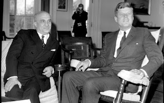 Fanfani (left) meets US president John F Kennedy at the White House in Washington