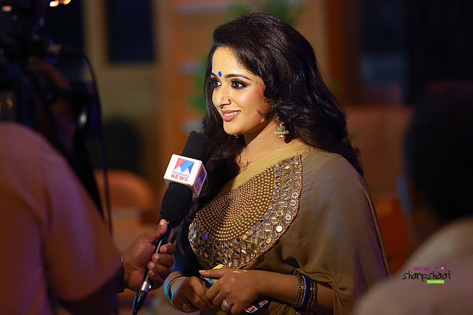 Kavya Madhavan Actress Photo Gallery: Kavya Madhavan Latest Hot Photos In Saree From M4marry