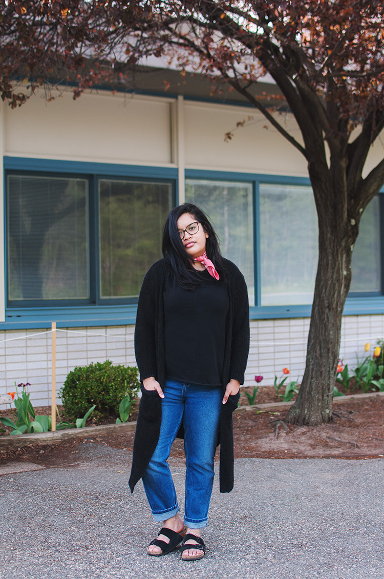 girlfriend jeans outfit, birkenstocks outfit, birkenstocks boyfriend jeans, long black cardigan