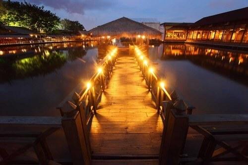foto rumah makan kampung laut semarang