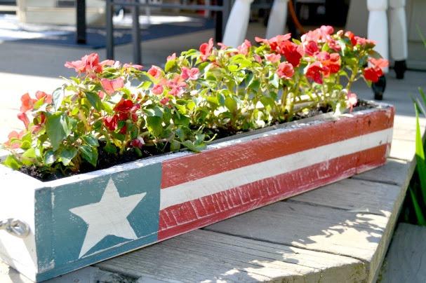 American Flag Pallet Planter
