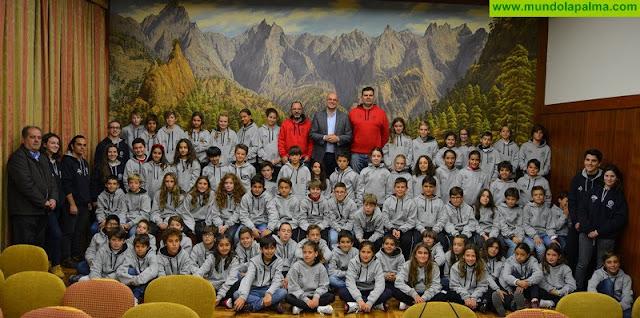 El centro escolar Escuelas Pías de Santa Cruz de Tenerife visitó el Cabildo Insular de La Palma