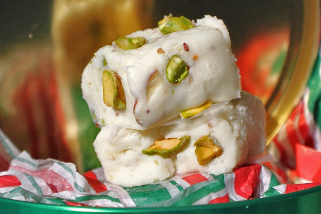 this is how to make an Amaretto White Chocolate Pistachio fudge