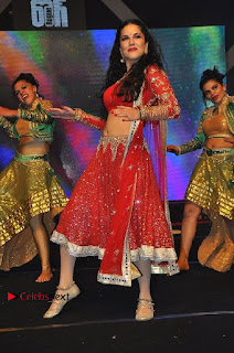Bollywood Actress Model Sunny Leone Dance Performance in Red Half Saree at Rogue Audio Launch 13 March 2017  0091.jpg