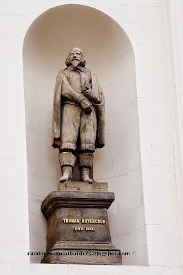 Statue of Thomas Hutcheson, Hutcheson Hall, Glasgow, Scotland, UK