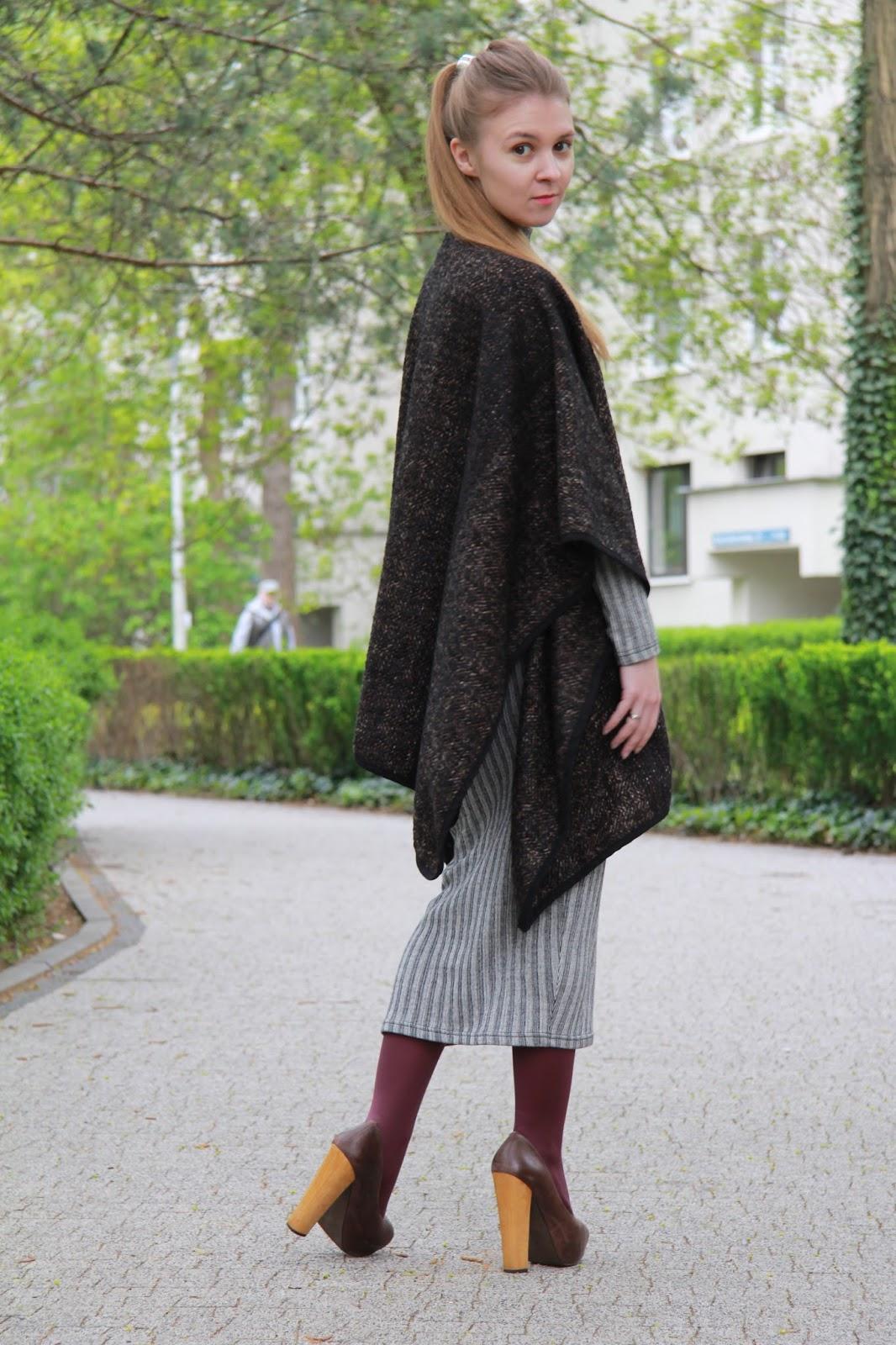 #outfit ponczo i długa sukienka w paski