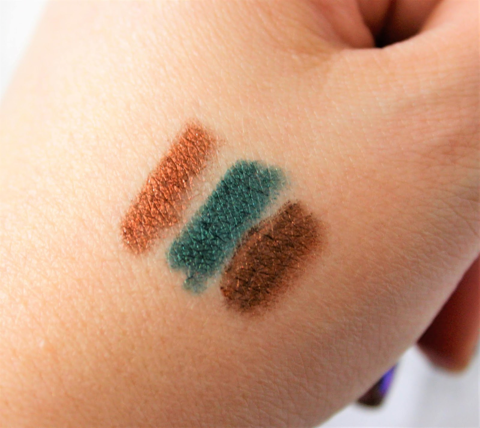 Born To Run Eyeliner swatches