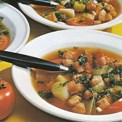 Pomidorų sriuba sudaržovėmis ir skrebučiais