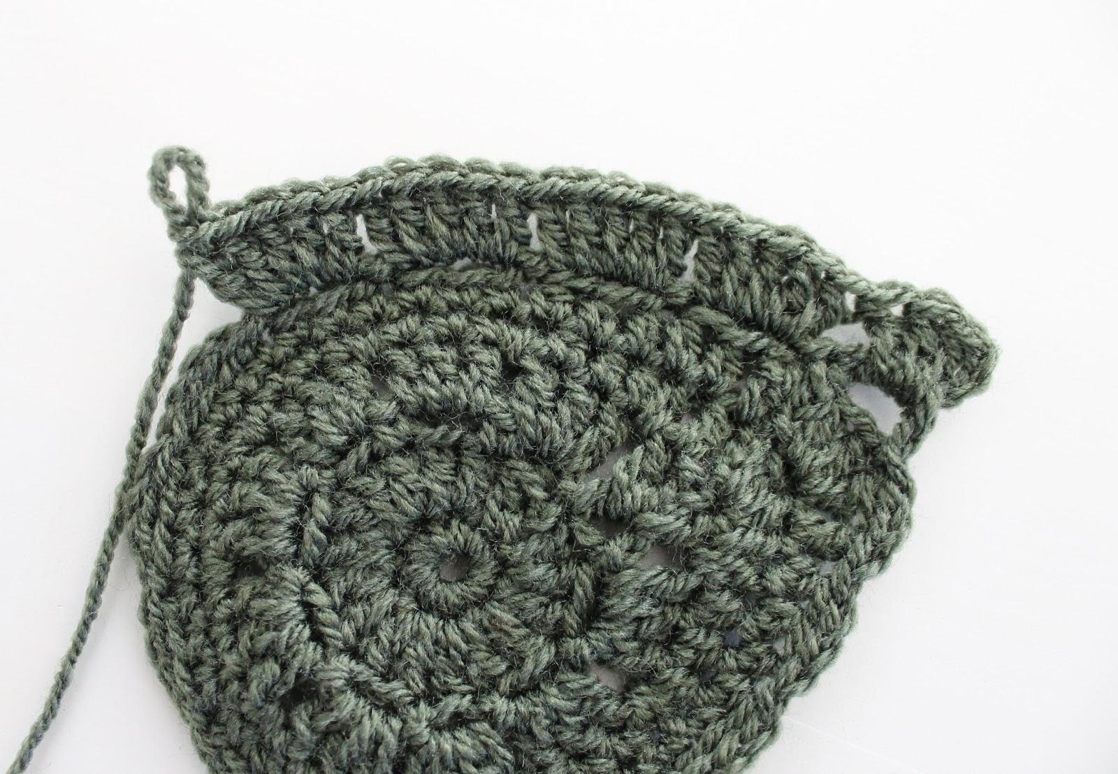 create your life diy crochet leaves. Black Bedroom Furniture Sets. Home Design Ideas