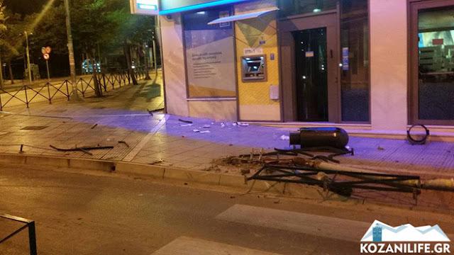 Σφοδρή σύγκρουση! Οδηγός στην Κοζάνη παρέσυρε ακόμη και το φανάρι!