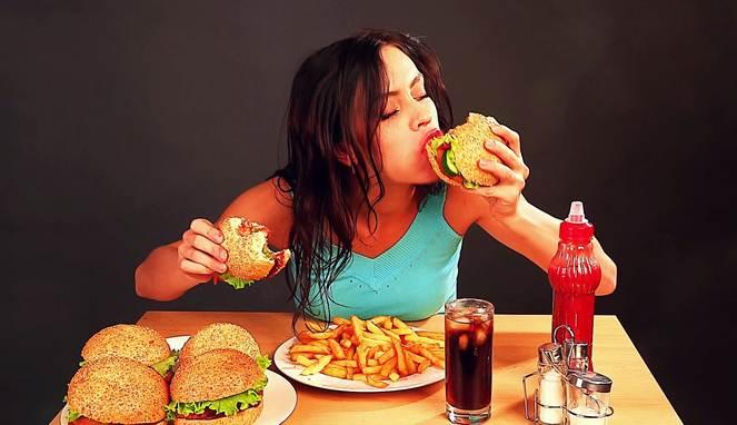 4 Bahaya Sering Makan Makanan Cepat Saji