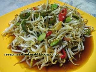 Jenis sayuran yang biasa disebut toge atau kecambah ini sudah sangat erat sebagai salah  RESEP CAH TAOGE PETAI