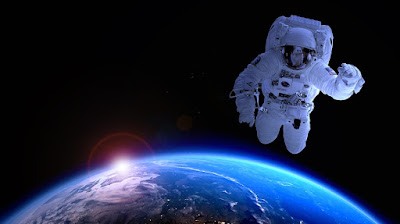 10 Facts About Astronaut