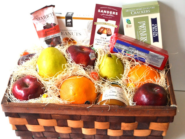 GourmetGiftBaskets.com Fruit Basket