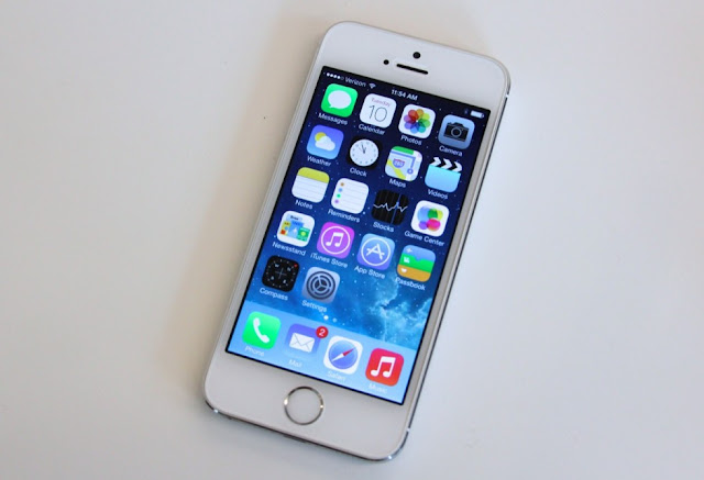 Trên thị trường di động hiện nay Iphone 5s cũ 32gb khoảng 4,8 triệu và với  iphone 5s cũ 64gb khoảng 5,3 triệu đồng. Iphone 5s có lẽ không ai là không  ...