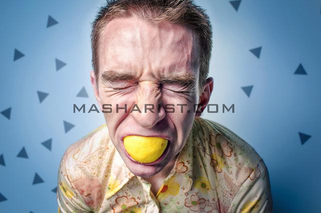 Air Perasan Lemon Dapat Memutihkan Gigi