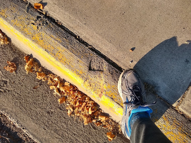 Footprint in the curb