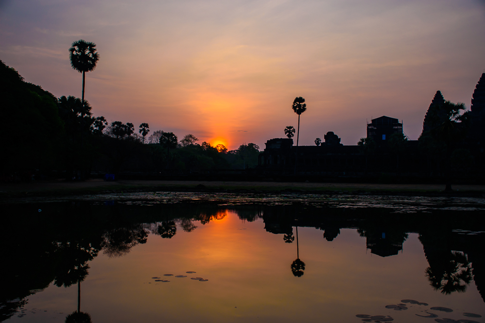 picture of sunrise at angkor wat temple siem reap cambodia