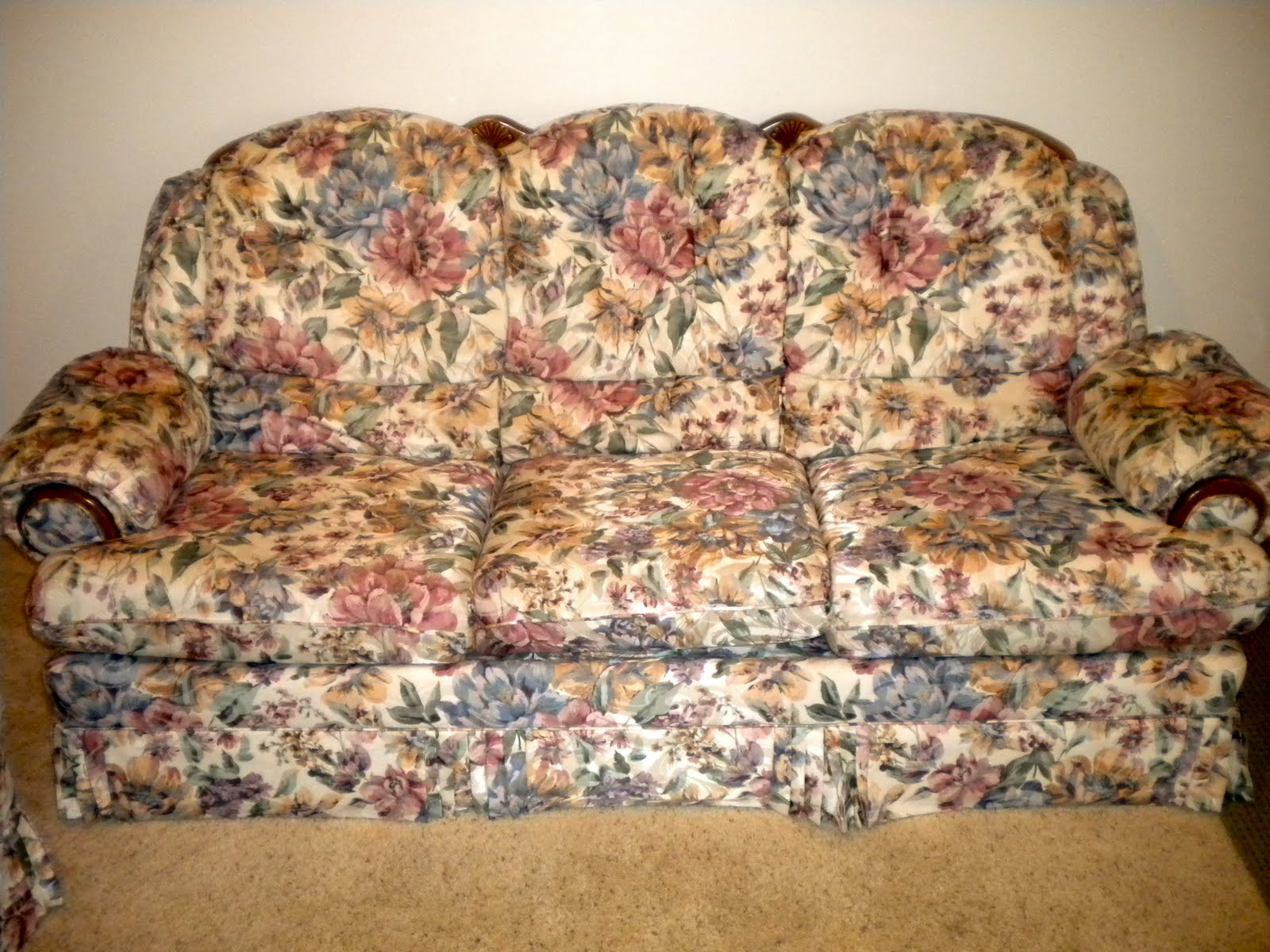 For Sale Vintage Floral Couch And Love Seat 200 Obo Sold
