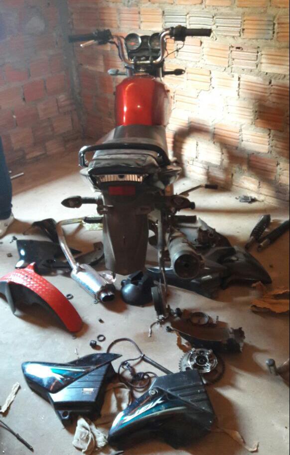 Caxias: Inteligência da PM estoura desmanche de motos