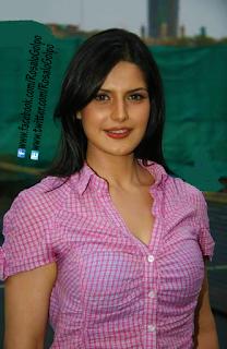 Zarine Khan Super Hot wet lips