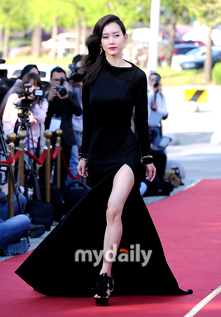 early stages of dating how often to see each other: 48th baeksang arts awards gong hyo jin dating
