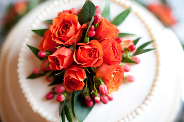 Fall+autumn+wedding+orange+red+halloween+pumpkin+hallows+eve+bride+groom+black+bridesmaids+dresses+orange+burnt+leaves+leaf+centerpieces+Alisha+Crossley+Photography+5 - The Bewitching Hour