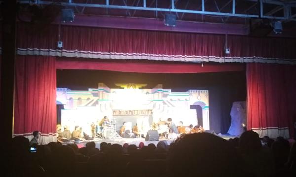 """Semarak HUT ke-31, KSW Mesir Tampilkan Teater Adaptasi Novel """"Raden Mandasia si Pencuri Daging Sapi"""""""