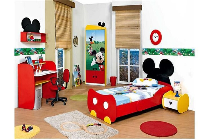 collection des chambres coucher mickey mouse b b et d coration chambre b b sant b b. Black Bedroom Furniture Sets. Home Design Ideas