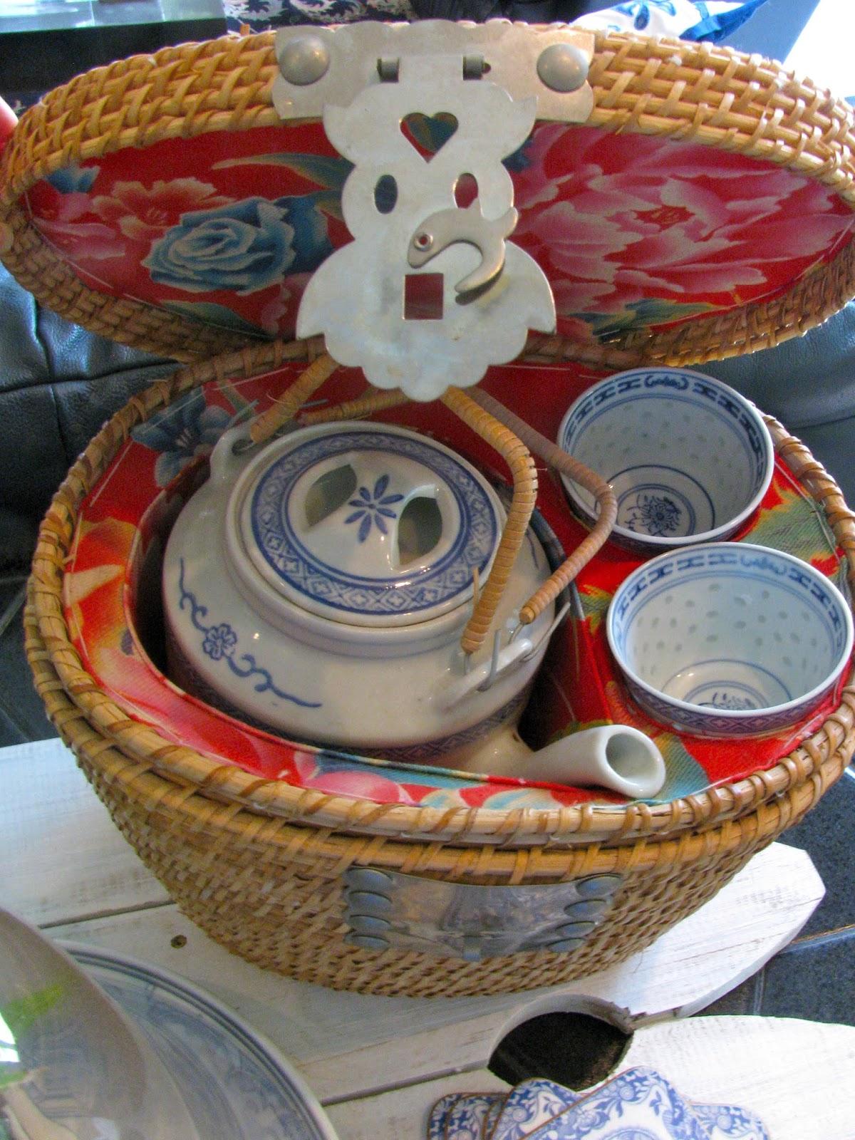 MAY DAYS: Chinese Travel Tea Basket
