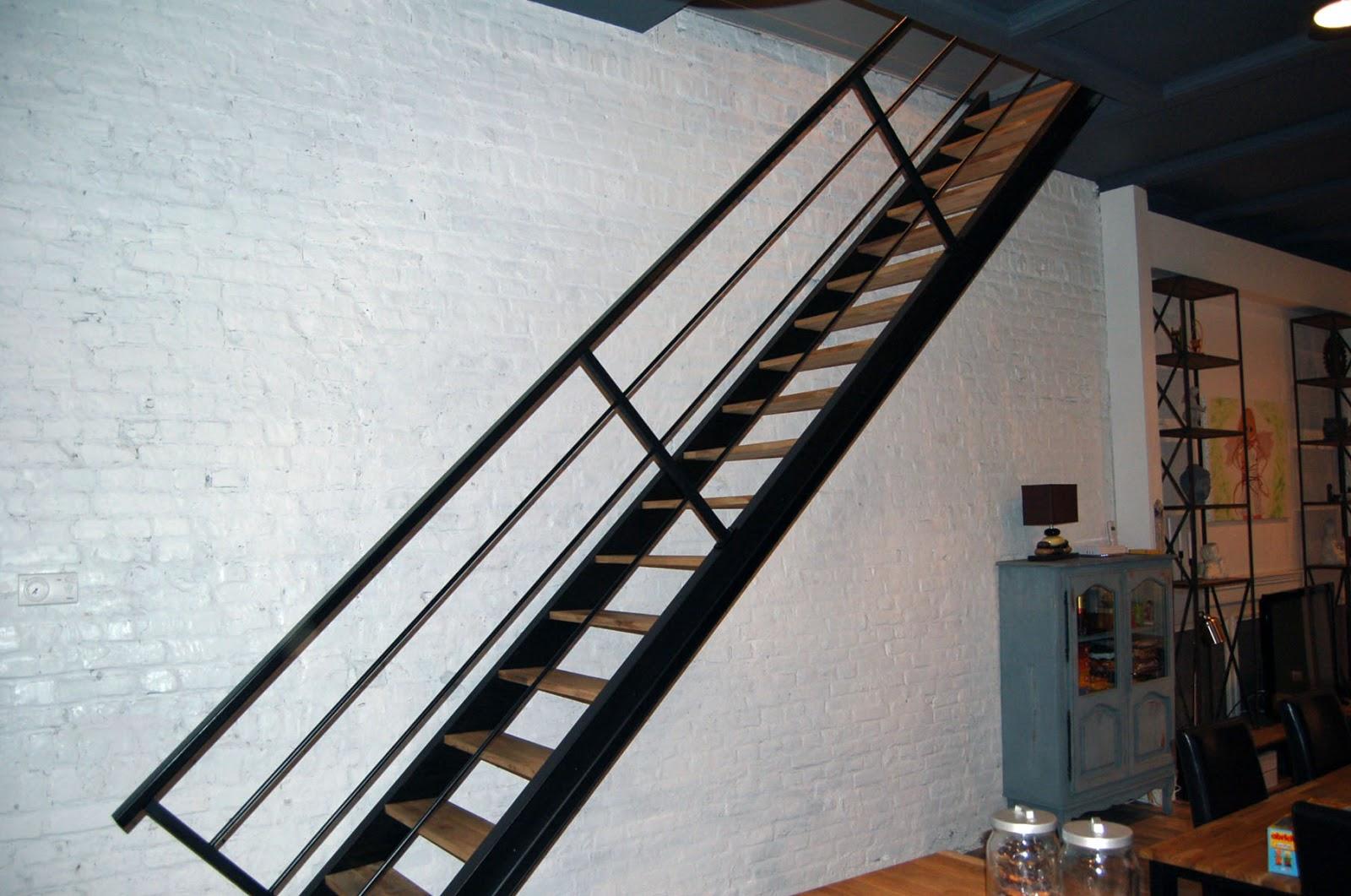 blog de la maison de l 39 imaginarium l 39 ambiance factory 100 sur mesure escalier bateau. Black Bedroom Furniture Sets. Home Design Ideas