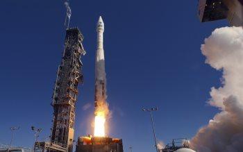 Wallpaper: NASA Launch Landsat